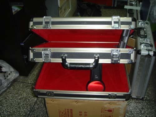 双开型工具箱